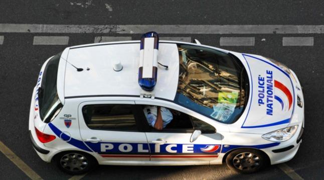 Les policiers de la brigade spécialisée de terrain (BST) ont reconnu dans les phares de leur véhicule les trois occupants de la Mégane volée (Photo d'illustration)