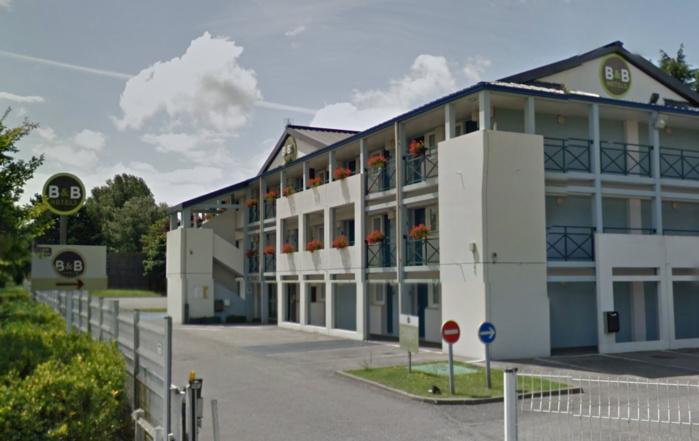 L'hôtel B&B est implanté avenue des Canadiens, dans le secteur du Parc Expo et du Zénith, à Grand-Quevilly