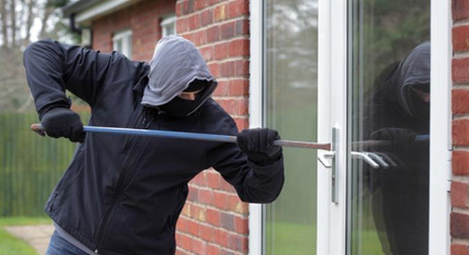 Bien vérifier que les fenêtres et portes sont bien verrouillées (Photo d'illustration)