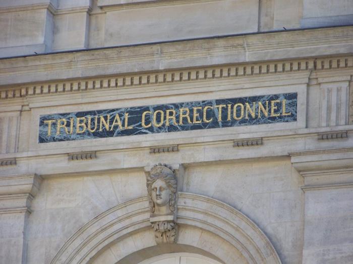 Le mis en cause a demandé le report de son procès afin de pouvoir préparer sa défense. Il sera jugé le 27 janvier, mais en attendant il est parti en détention provisoire (Photo d'illustration)