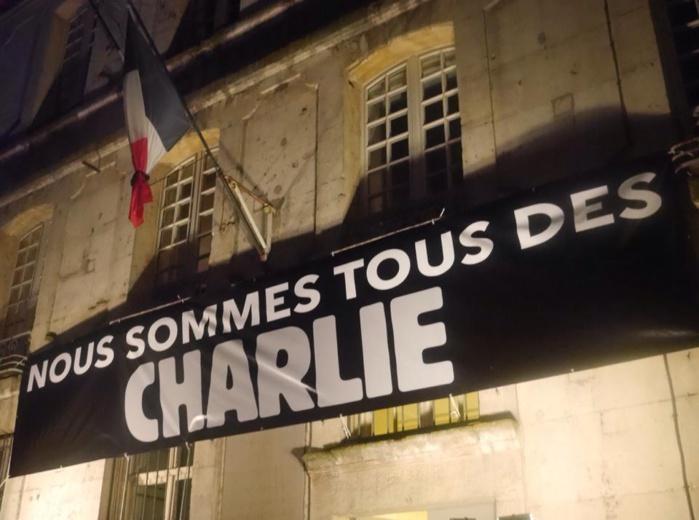 L'hommage de toute une ville pour les victimes de l'attentat (Photo extraite de la page Facebook de Hervé Maurey)