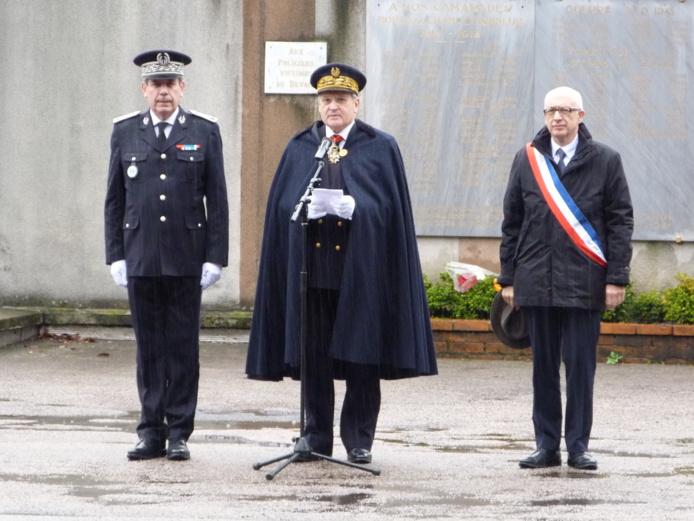 Le préfet Pierre-Henry Maccioni entouré d'Yvon Robert, maire de Rouen et du contrôleur Philippe Trénec, DDSP de Seine-Maritime (Photo DR)