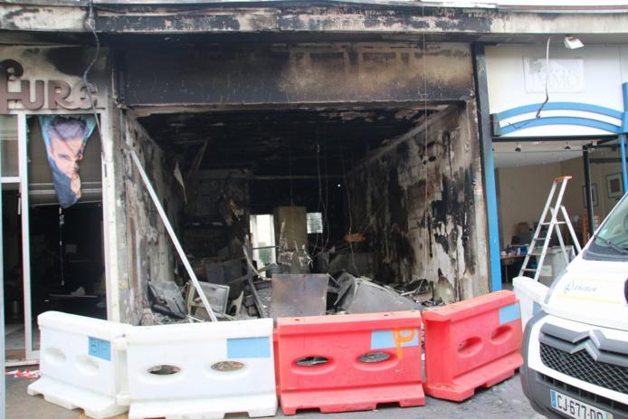 Le kebab a été entièrement soufflé par l'explosion suivie par un incendie (Photo Céline Jégu)
