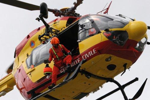 L'hélcoptère de la sécurité civile Dt=ragon 50 a été associé aux recherches (Photo d'illustration)
