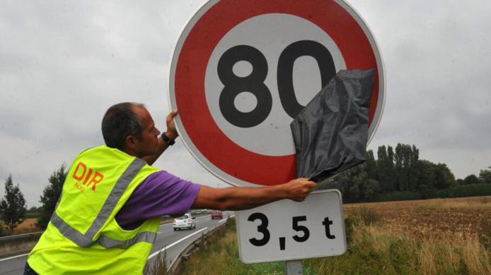 Neige et verglas : vitesse limitée et dépassement interdit pour les camions