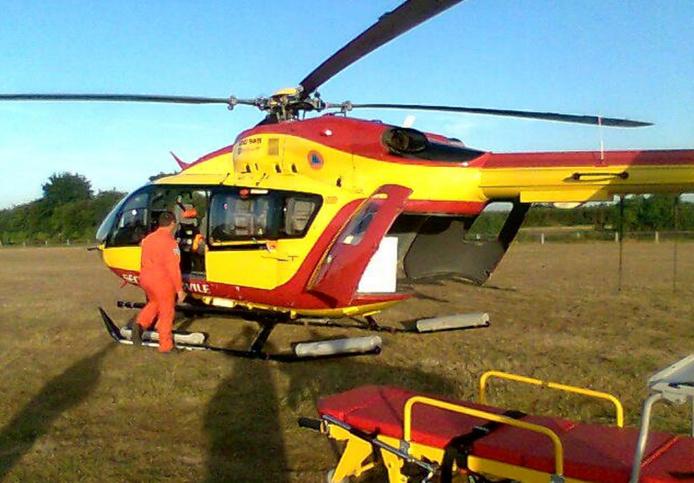 L'un des conducteurs blessé grièvement a été transporté au CHU de Rouen par l'hélicoptère de la sécurité civile Dragon 76, sous assistance médicale (Photo d'illustration)