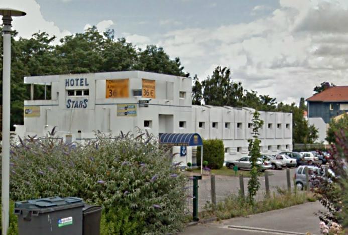 L'hôtel Stars, où se sont déroulés les violences, est situé un peu en retrait de l'avenue des Canadiens, à Saint-Etienne-du-Rouvray (Photo d'illustration)