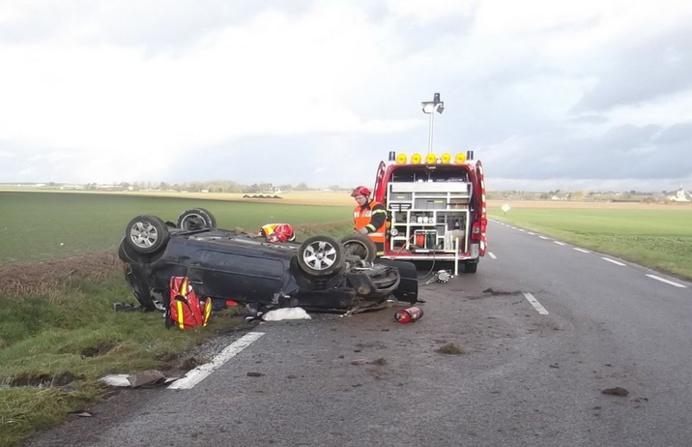 Le véhicule a fait plusieurs tonneaux avant de s'immobiliser sur le toit (Photo DR)
