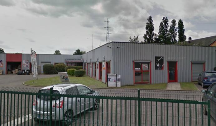Le feu s'est propagé à l'ensemble du bâtiment de 1 200 m2 de cette entreprise située chemin des Grès (Photo d'illustration)