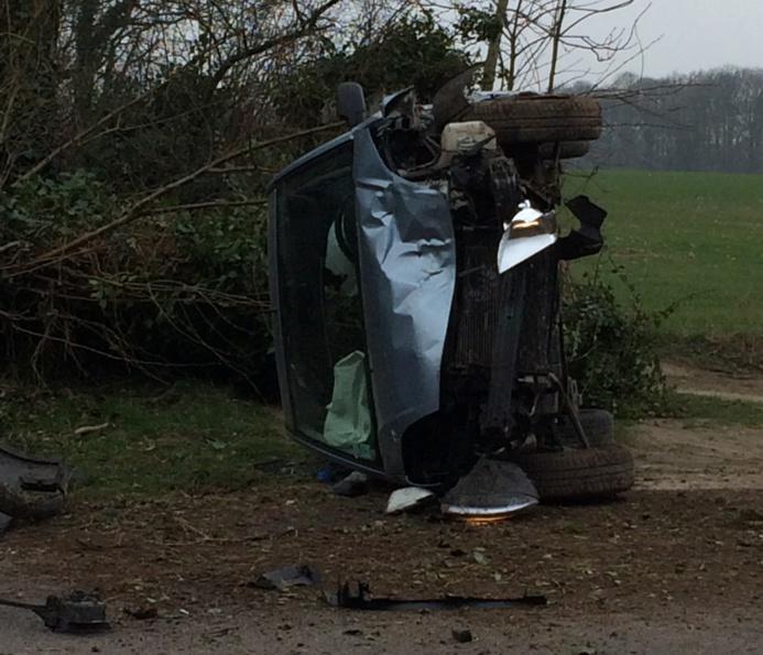 La conductrice et sa passagère s'en sortent bien à voir l'état du véhicule (Photo @DR)