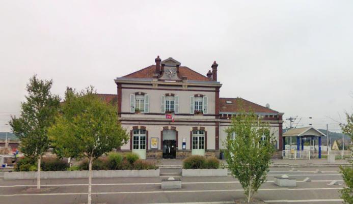 La victime a été prise en charge par les sapeurs-pompiers et une équipe du SAMU dès l'arrivée du train en gare de Oissel (Photo d'illustration de la gare de Oissel)