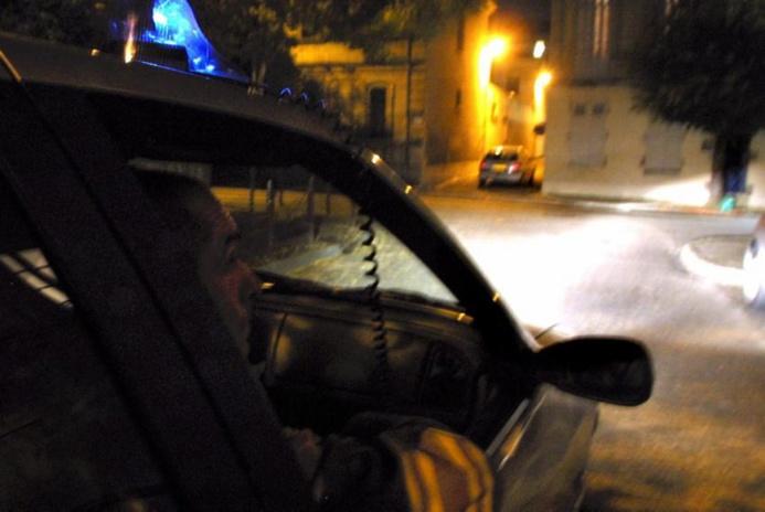 Des projectiles ont été lancés au passage du véhicule banalisé de la BAC, hier soir à Plaisir (@Illustration)