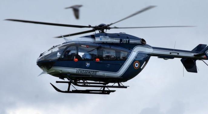 La compagnie de gendarmerie de Rouen a déployé de gros moyens, dont un hélicoptère d'Amiens, pour retrouver et interpeller les cambrioleurs (Illustration)