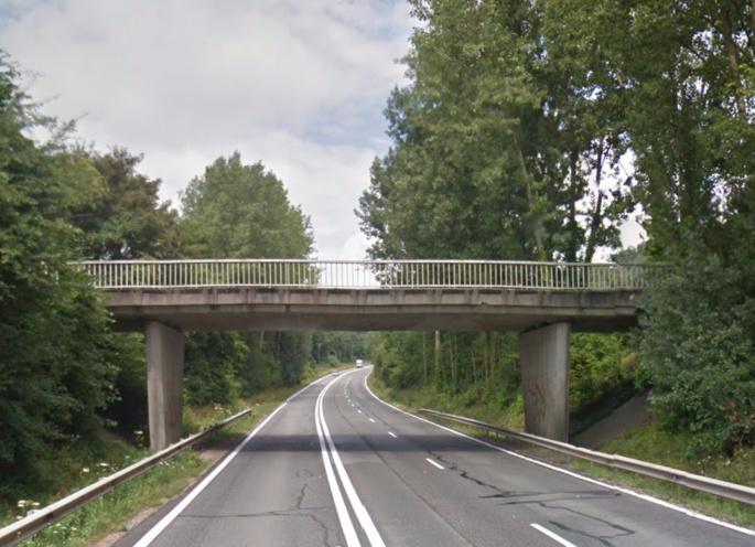 Le corps de la femme décédée a été découvert sur la RD30, à proximité du pont de la rue de l'Etang (Illustration)