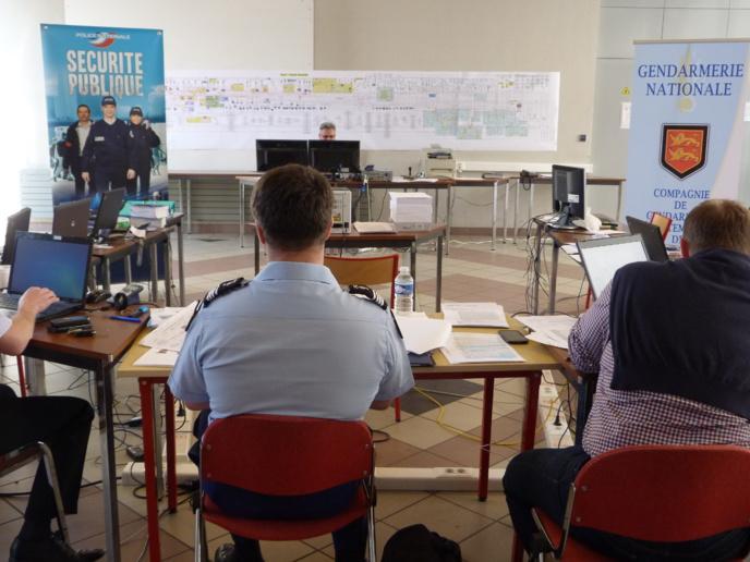 Dans la phase opérationnelle, lors du coup de filet, mardi 21 avril, une cellule spéciale composée de gendarmes et de policiers a été mise en place à la caserne Crosnier, à Rouen
