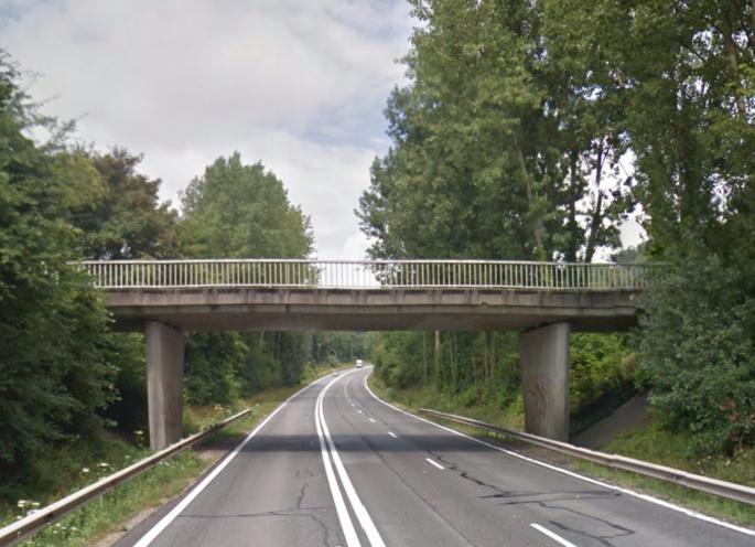 Le corps sans vie d'une inconnue a été découvert sur le CD130 à proximité du pont de l'Etang sur la route départementale 30