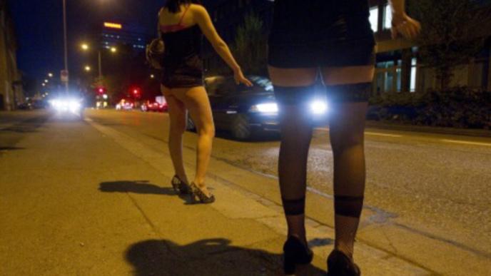 Rouen : un prostitué péruvien frappé de cinq coups de couteau dans le dos par un inconnu