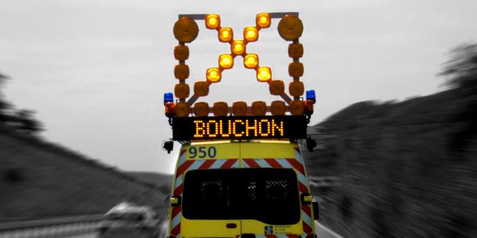 Poids-lourd en feu sur l'A13 en Seine-Maritime: trois kilomètres de ralentissement avant Oissel