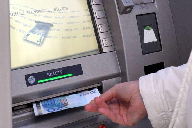 Le Vésinet : Une personne âgée victime d'un vol par ruse a un distributeur de billets. Trois interpellations