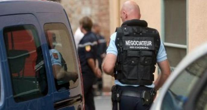 Les négociateurs de la gendarmerie tentent actuellement d'amener le forcené à se rendre (Illustration)