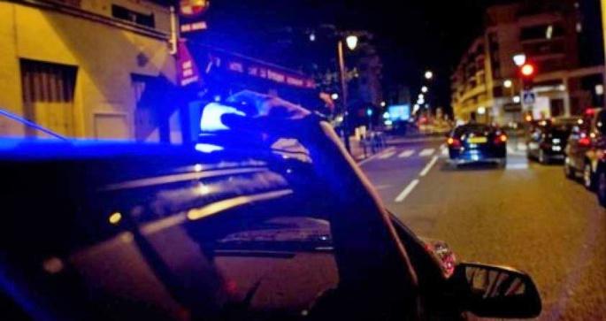 La Clio grise des malfaiteurs a été prise en chasse par deux équipages de la brigade anti-criminalité et interceptée (Illustration)