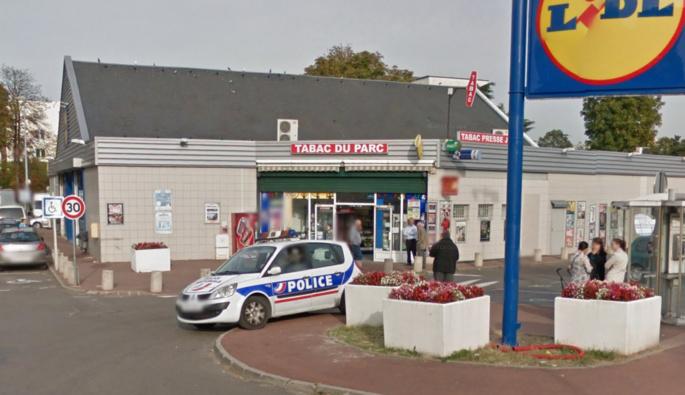 Les policiers ont procédé ce matin à des investigations sur les lieux du cambriolage commis au tabac de Vernouillet dans la nuit (Illustration)