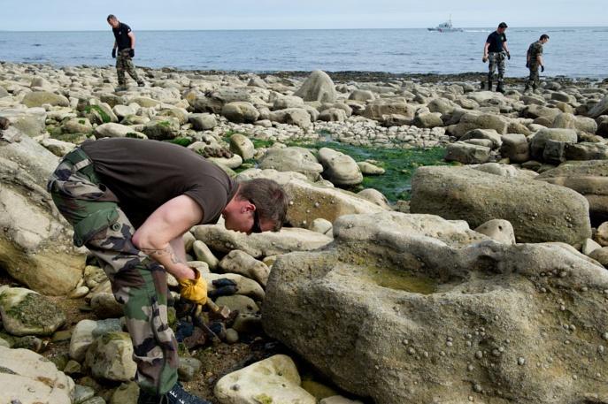200 obus de la Seconde Guerre mondiale neutralisés sur une plage du Calvados