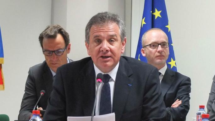 Es élus locaux contestent les choix budgétaires de Michel Laugier, président de la CASQYet sont venus le manifester hier soir. (illustration@DR)
