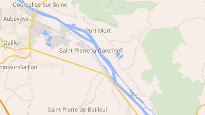 Eure : un motard de Vernon grièvement blessé dans une collision sur la D6015, près de Gaillon