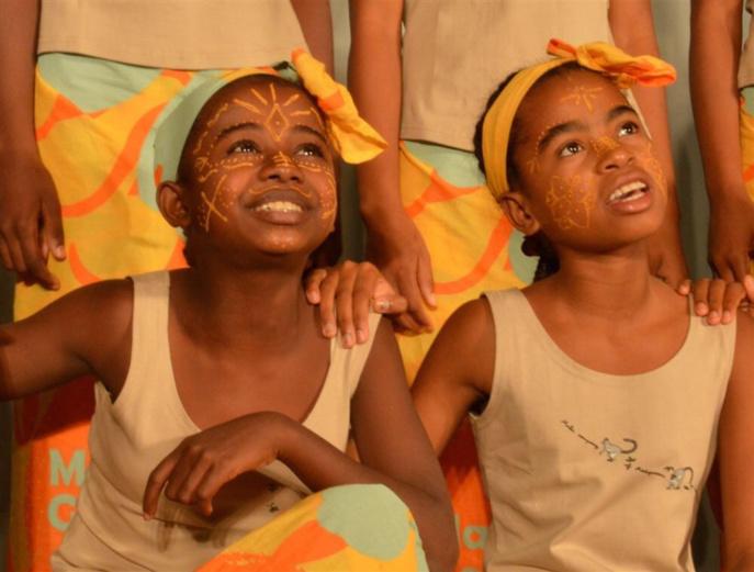Rouen : 22 jeunes Malgaches à la voix d'or chantent contre l'exploitation infantile