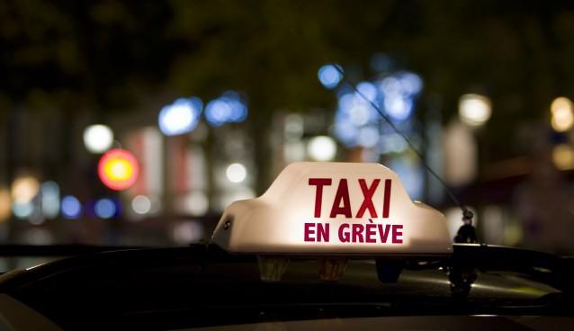 """Les syndicats de taxis promettent de """"faire du boucan"""" (Photo @laminutetaxi.fr)"""
