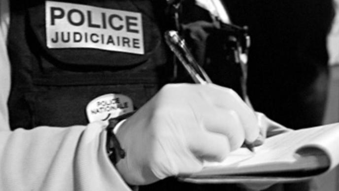 Les techniciens de l'Identité judiciaire (IJ) ont recherché ce matin d'éventuelles traces qui pourraient les aider à faire progresser l'enquête (Illustration)