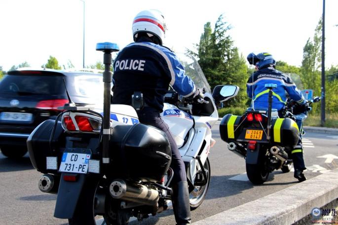 Les motards de la police et de la gendarmerie faisaient équipe commune à l'occasion de cette opération destinée à sanctionner les conduites addictives (Photo @DDSP78)