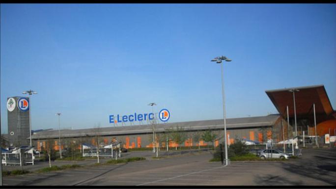 Chez Leclerc, à Achères, les voleurs de jeux vidéo menacent de tuer les agents de sécurité