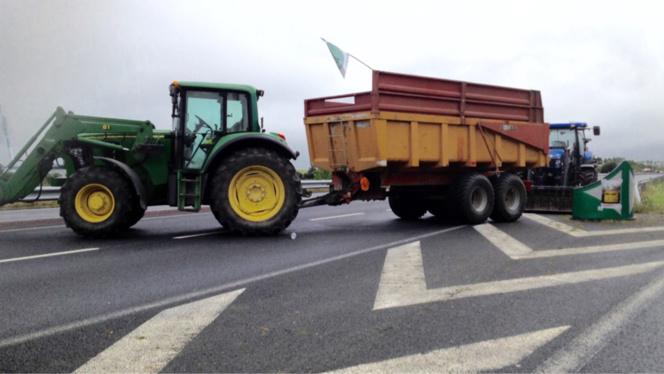Les agriculteurs toujours mobilisés aux ponts de Normandie et de Tancarville