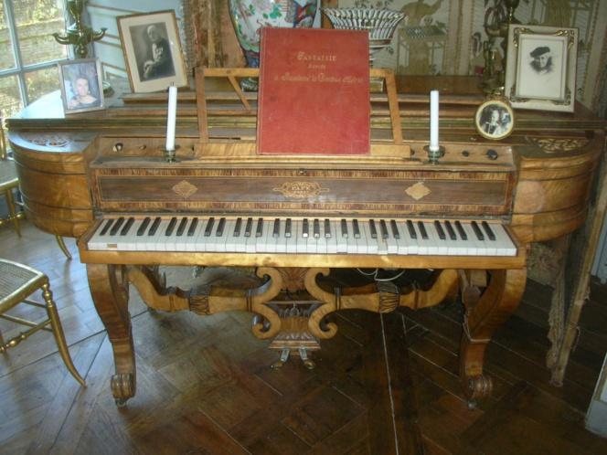 Le prix de l'association des Vieilles maisons françaises, d'une valeur de 5 000 € permettra d'aider à la restauration de ce très beau piano-forte