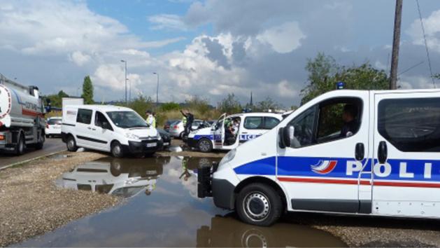 Un contrôle a été mis en place par les services de police au rond-point de Madagascar à la sortie du pont Flaubert en direction de la rive gauche