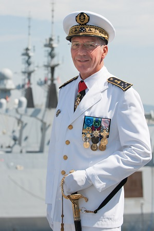 Marine nationale : le vice-amiral d'escadre Denis Béraud à la tête de la Force d'Action Navale