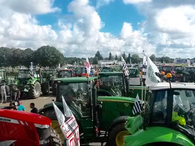 Les agriculteurs ont quitté Tourville-la-Rivière : en route pour Paris via l'A13
