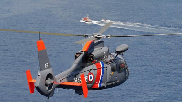 Les deux adolescents ont été récupérés par l'hélicoptère Dauphin de la Marine, basé au Touquet (Photo d'illustration @Marine)