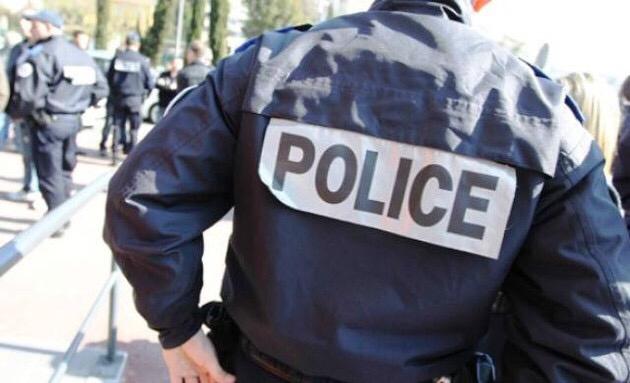 Yvelines : le maire de Verneuil-sur-Seine visé dans des tags sur la devanture d'un magasin