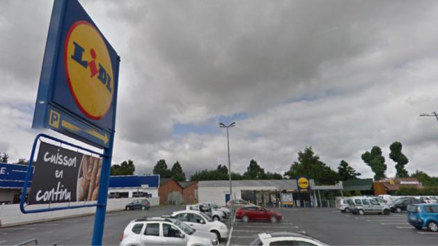 Neufchâtel-en-Bray : les cambrioleurs de Lidl mis en fuite par l'alarme et les fumigènes