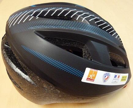 Rouen : un casque offert pour sensibiliser les cyclistes aux règles de circulation en ville