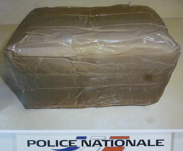 """La drogue, conditionnée, était destinée à alimenter le """"marché"""" dieppois, selon les déclarations du suspect arrêté par les policiers rouennais (Photo : DDSP)"""