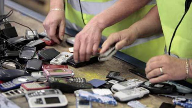 L'entreprise havraise se charge notamment de la récupération et du traitement des téléphones portables usagés