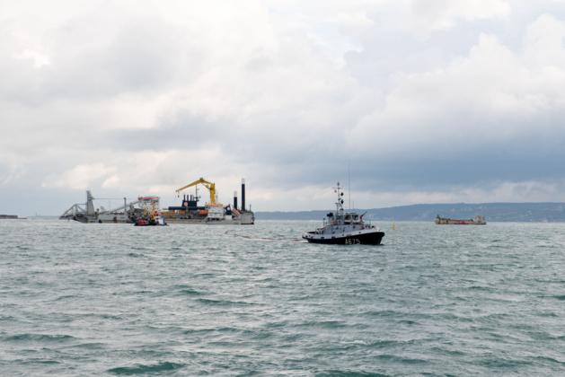 Fuite de gasoil dans la rade de Cherbourg : pas de risque sanitaire, selon la préfecture maritime