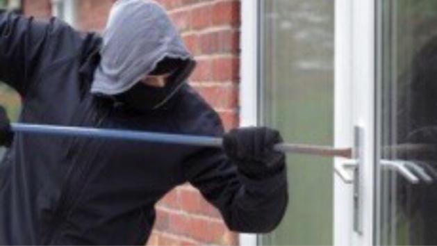 Près de Rouen : trois cambrioleurs délogés d'une maison par les policiers