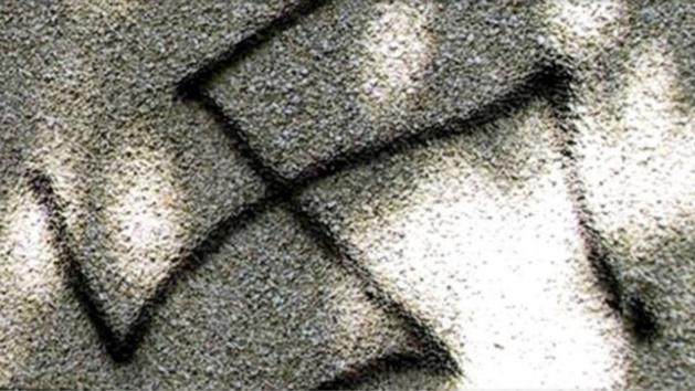 Bernay : des croix gammées et inscriptions islamophobes peintes sur des lieux publics