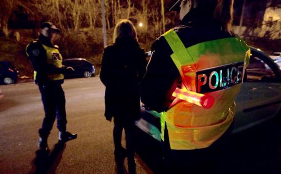 C'est en procédant aux constatations que les policiers ont découvert des sachets suspects contenant de la résine de cannabis (Photo d'illustration@DGPN)
