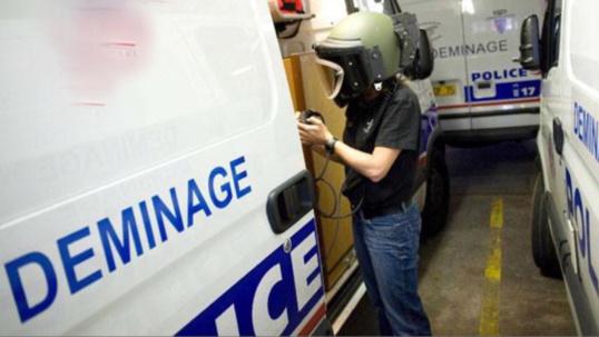 Plus de 800 personnes évacuées après la découverte de deux colis suspects à Versailles